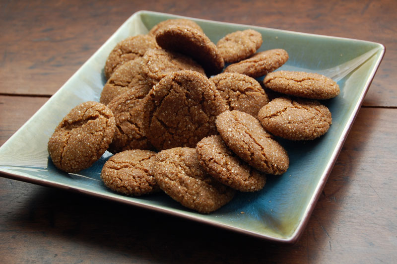 Molasses Crinkle Cookies Recipe — Dishmaps