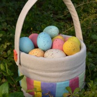 Cuteness Alert | Easter Baskets with Handmade Buttons
