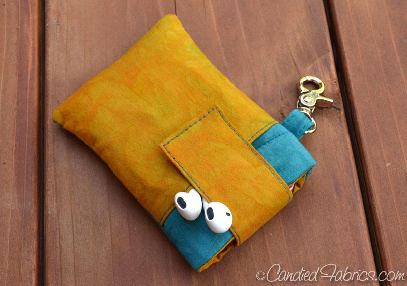Glendening-iphone-pouch-keychain-3