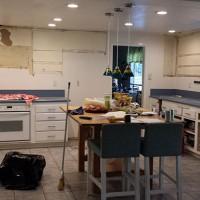 Our Kitchen Reno | Demo!!!!