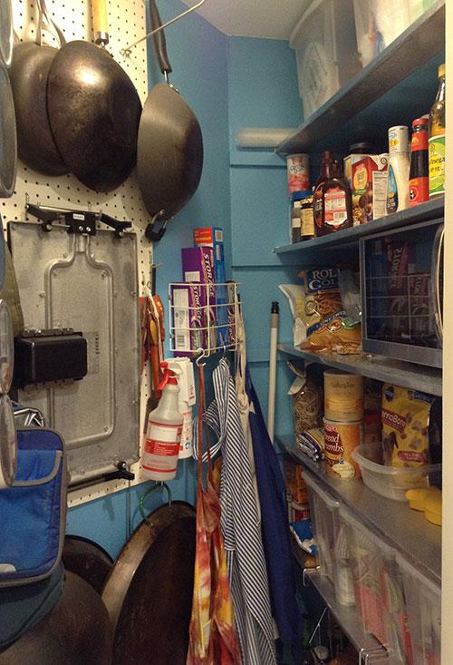 clean-pantry-08
