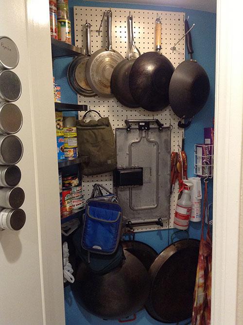 clean-pantry-10