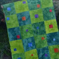 Liam's Modulating Squares Quilt!
